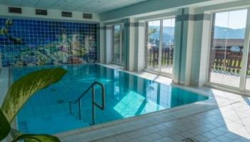 Vyhřívaný bazén v hotelu Mesit